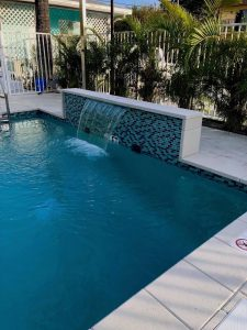 White Horse Swimming Pool - Waterfall - Fresh Blue Water